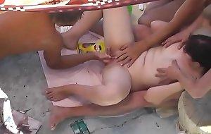 trio en playa nudista 1