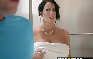 Brazzers - Mommy Got Boobs - Save A catch Tits scene leading role Reagan Foxx increased by Jessy Jones