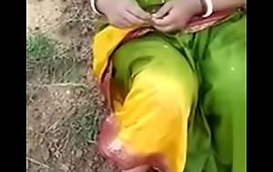 townsperson aunty blowjob fuck with lover in open field mms
