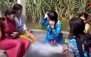 www.desichoti.tk presents Village ladies and girls hot rinse in open