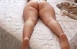 Chubby Ass Chick Showing Hot goods
