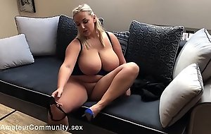 Busty blonde bbw fingering say no to wet crack