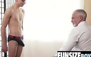 Hung mature silver daddy destroys tiny twink ass-FUNSIZEBOYS.NET