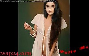 Alia Bhatt bollywood Teat and breast (sexwap24.com)