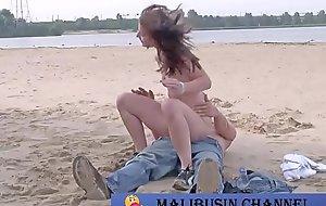 Cortar - publb BeachHD - Segmento1(00 00 04.500-00 17 52.500)